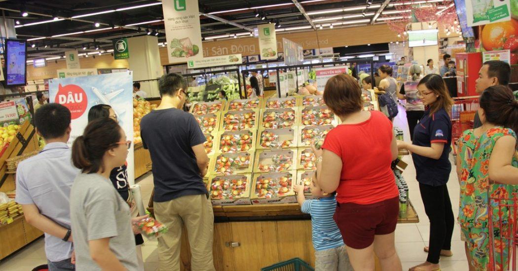 Dâu tây Hàn Quốc tại siêu thị Việt Nam