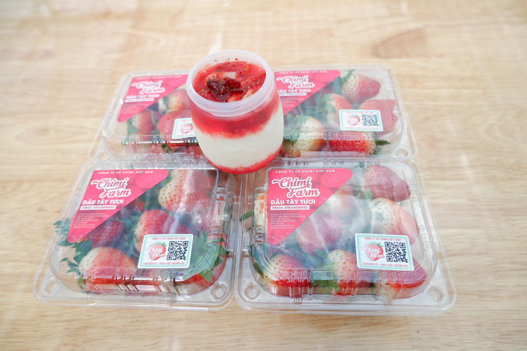 Mua dâu tây tặng sữa chua - Chimi Farm cơ sở Hà Nội