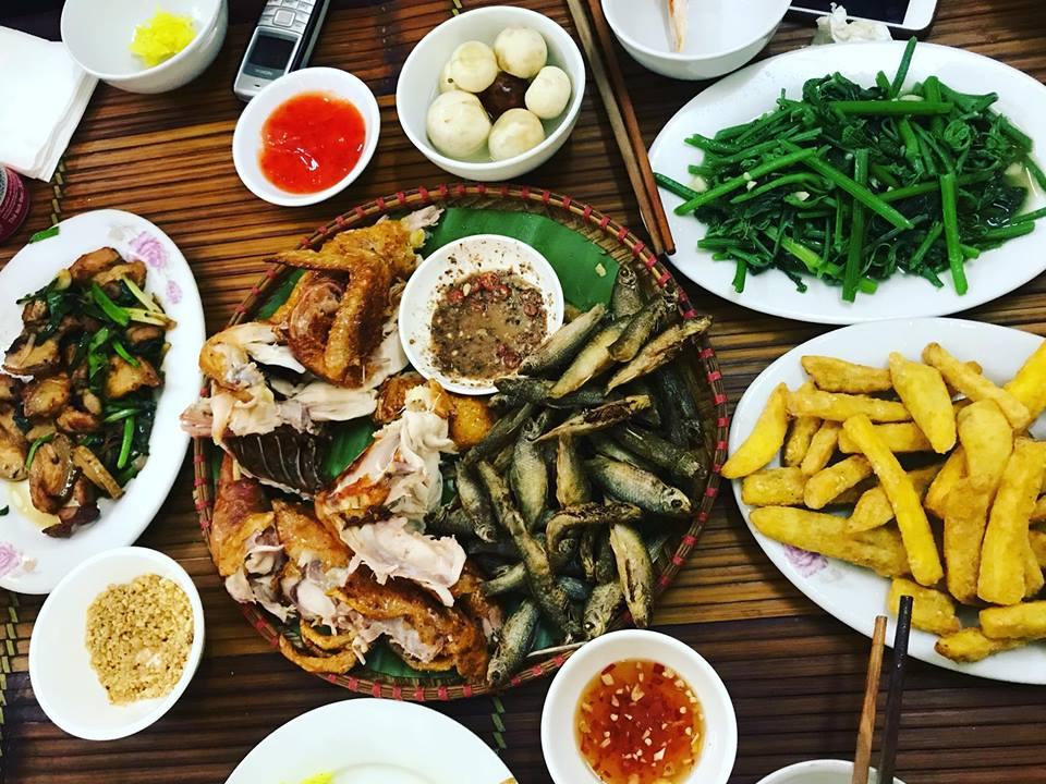 Những món đặc sản của nhà hàng Tuân gù như gà và cá suối nướng