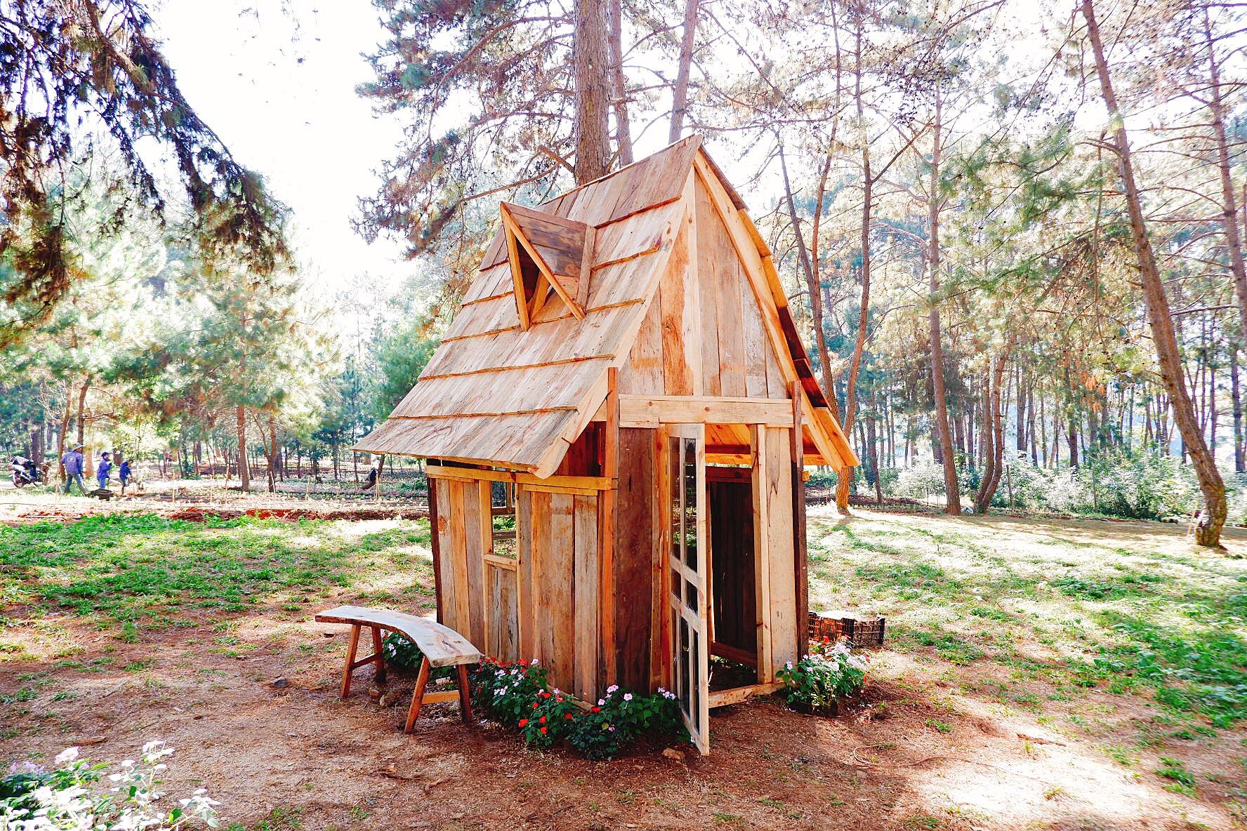 Ngôi nhà gỗ cổ tích của Chimi Farm