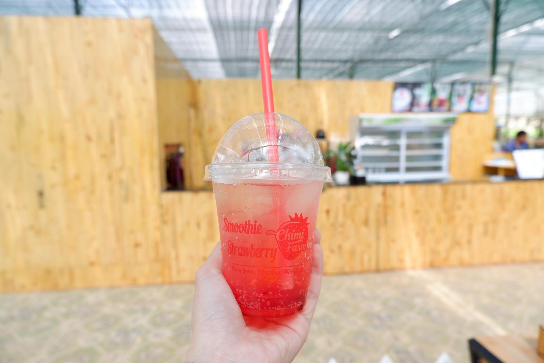 Hướng dẫn làm soda dâu tây cực đơn giản của Chimi Farm