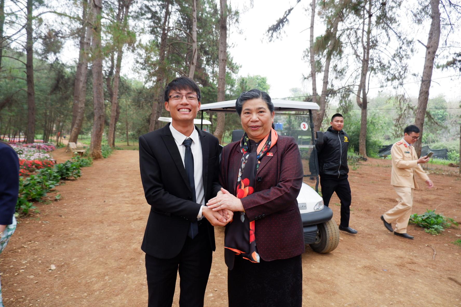 Đ/c Phó Chủ tịch Quốc hội còn động viên Chimi Farm