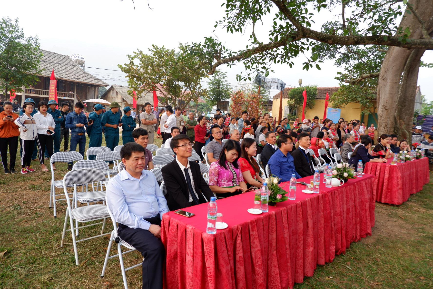 Các đại biểu về dự lễ hội Hết Chá 2019
