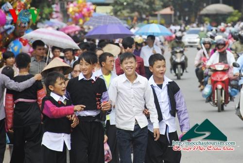 Hoạt động đường phố ngày hội văn hóa tại Mộc Châu