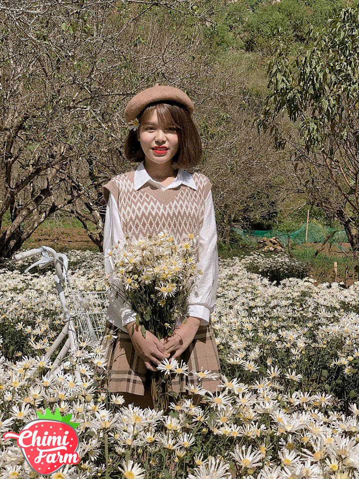 Cô nàng Duyên Cao chọn trang phục theo style Hàn Quốc