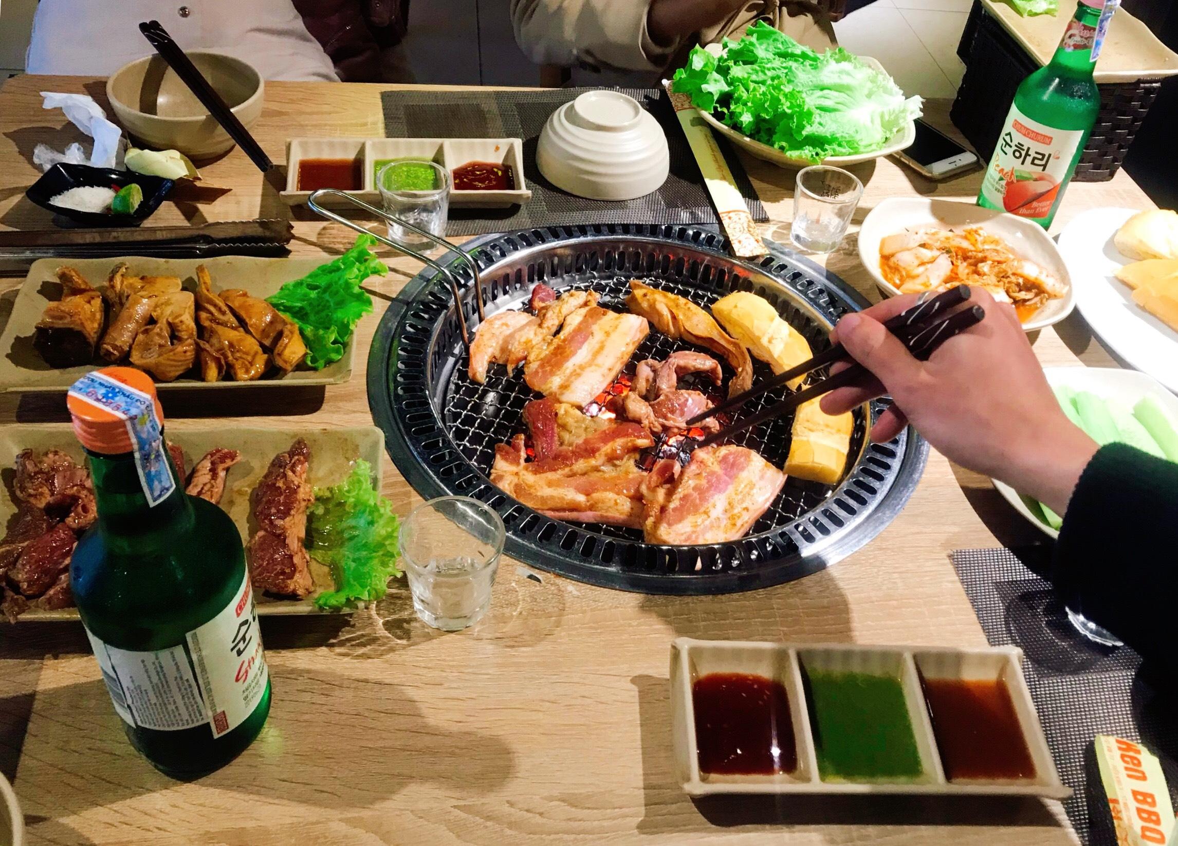 KEN BBQ có lẩu, nướng theo phong cách Hàn Quốc