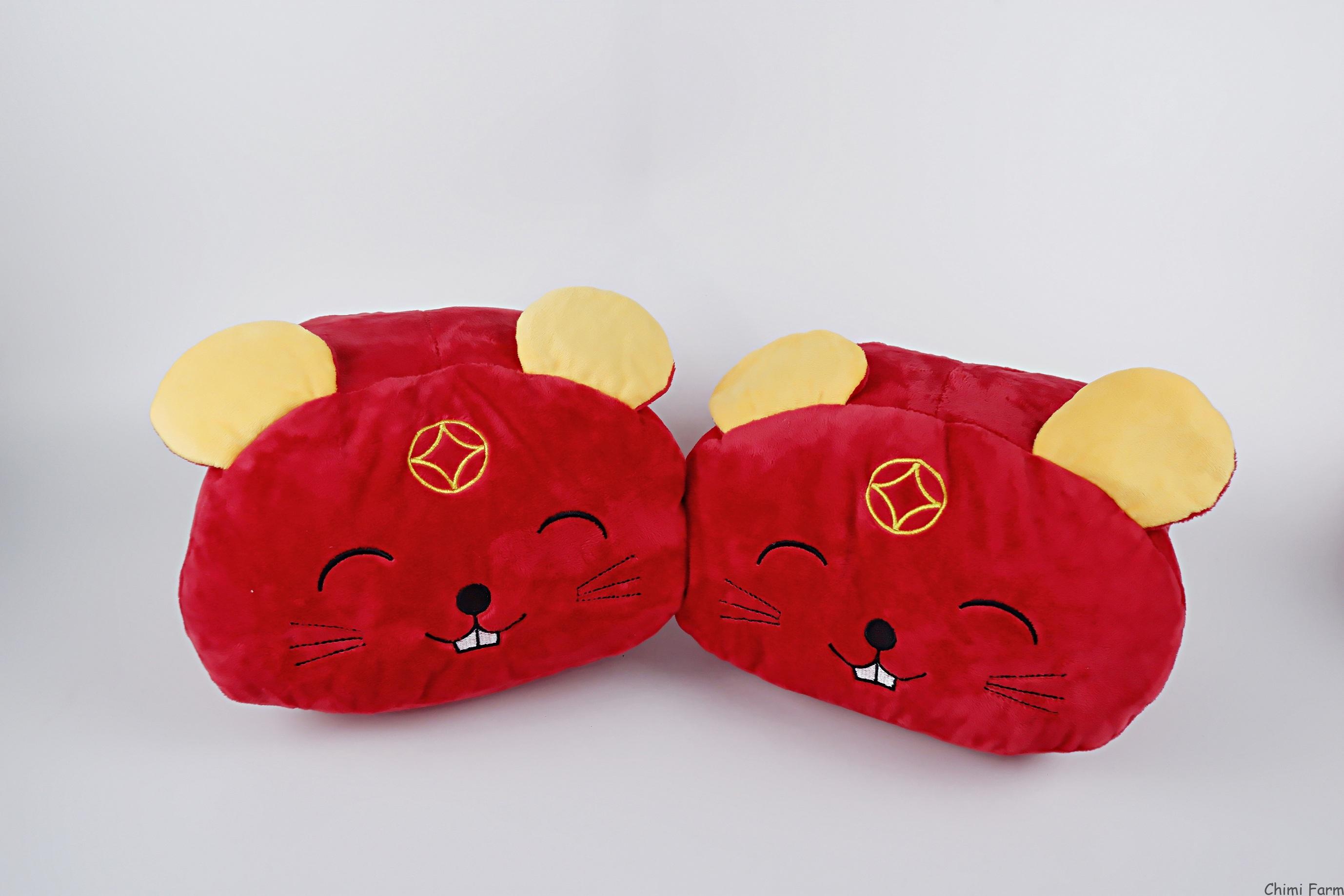 Giữ ấm tay hình gấu đỏ đáng yêu cho mùa đông ấm áp
