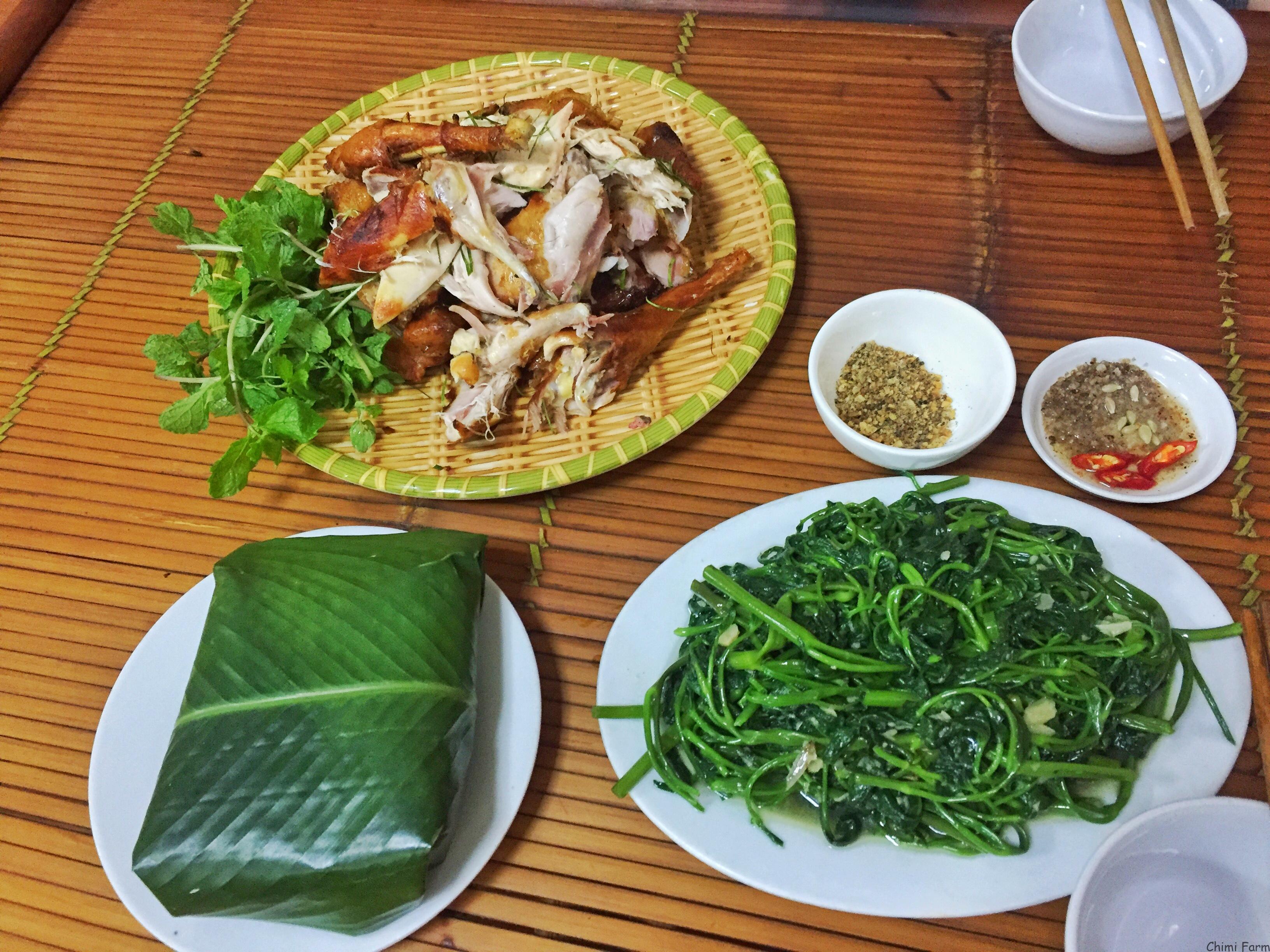 Gà nướng là món ăn đặc sản không thể bỏ qua tại Mộc Châu
