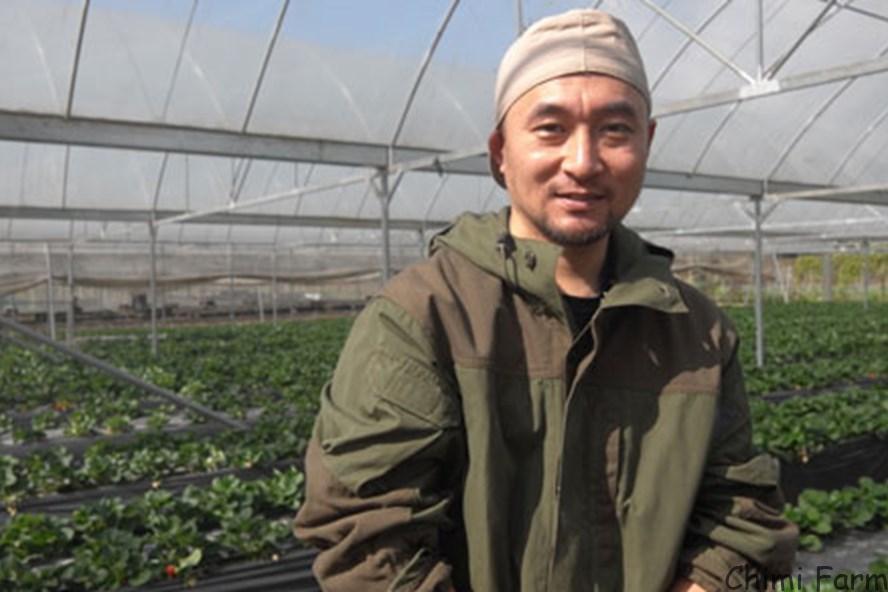 Chàng trai Nhật Bản Nahana Shojiro trên báo Lao động