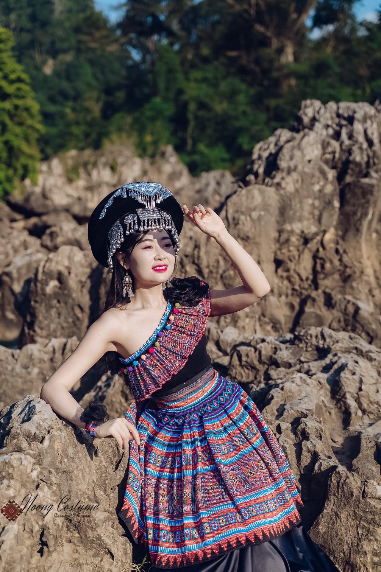 Noọng Costume là tiệm tự thiết kế trang phục dân tộc cách tân ở Mộc Châu