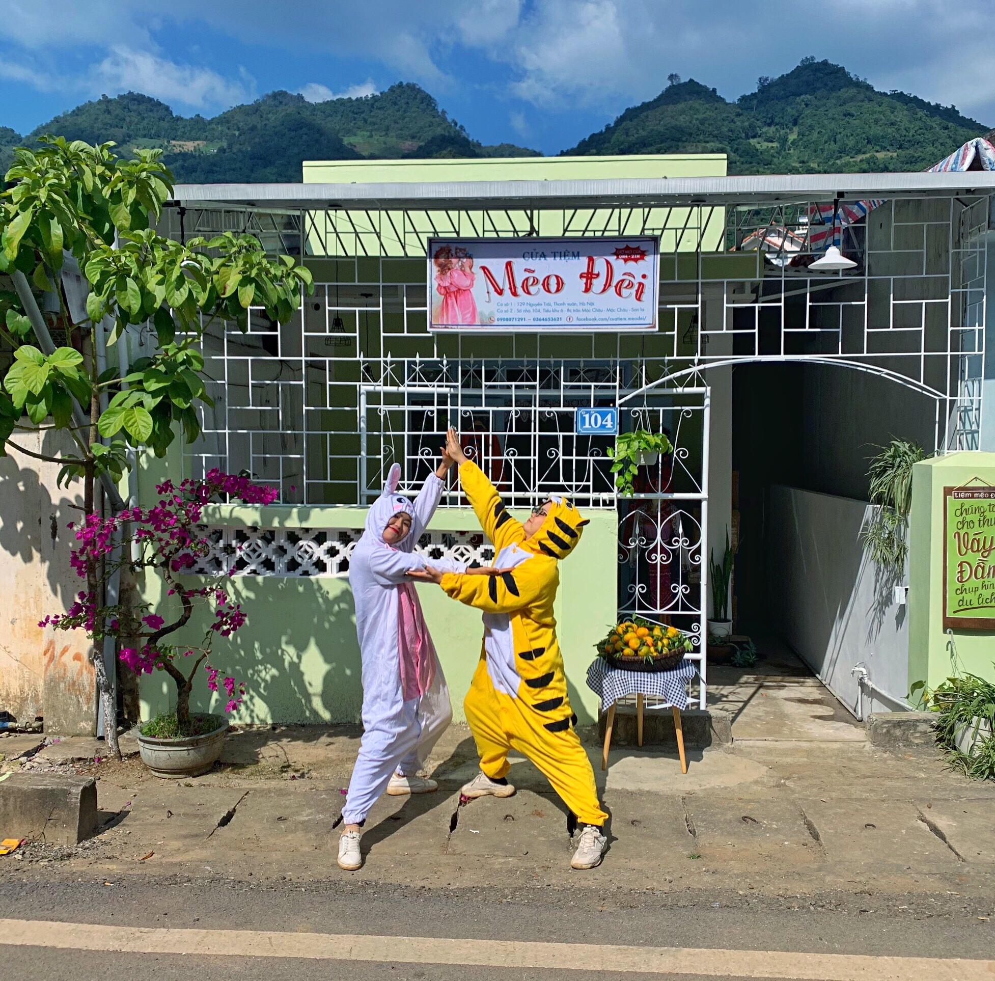 Cửa tiệm Mèo Đêi cho thuê các trang phục đẹp và độc tại Mộc Châu