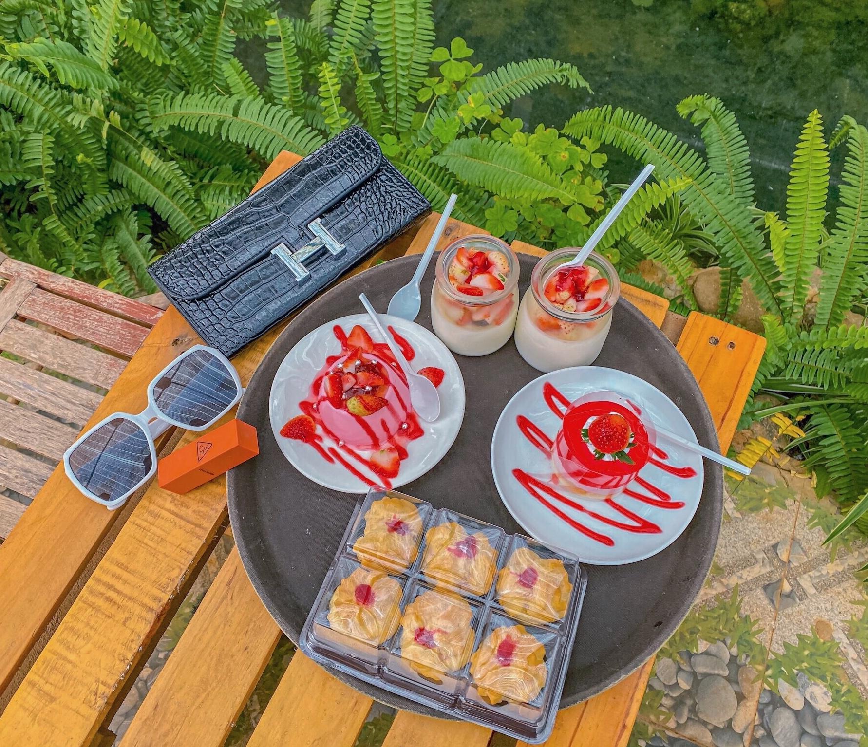 Các sản phẩm chế biến từ dâu tây thơm ngon của Nông trại Chimi